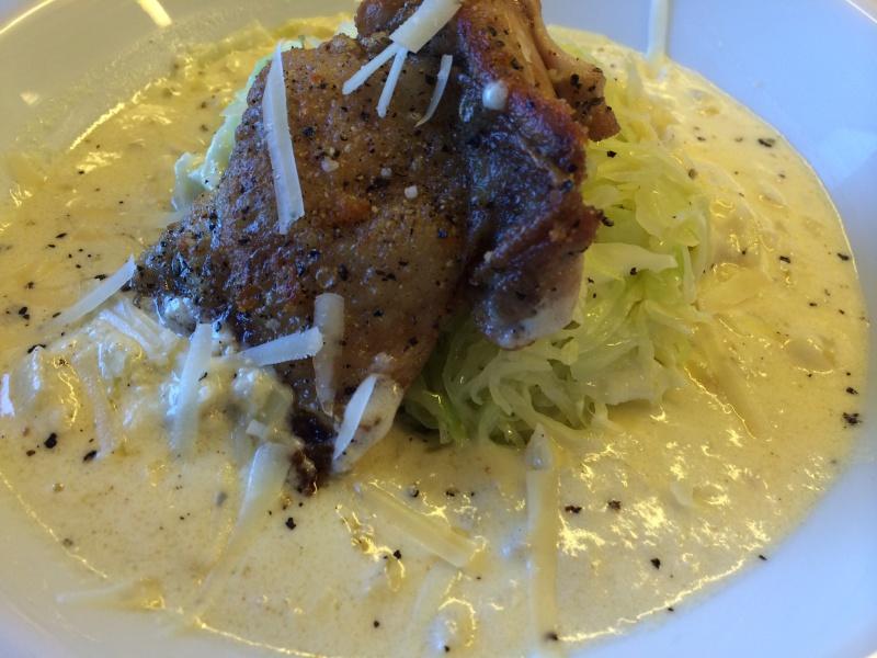 Spidskåls carbonara med stegt kylling