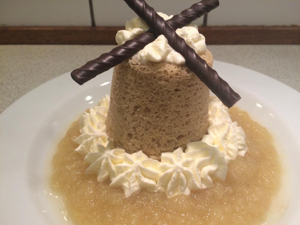 Mug cake med æblegrød